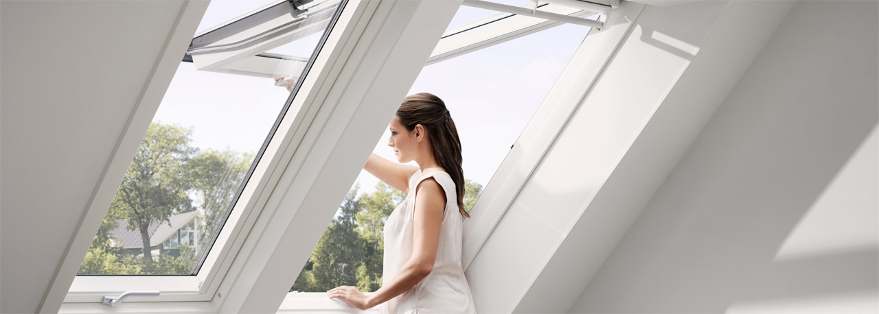 velux dachfenster flachdachfenster tageslichtspots. Black Bedroom Furniture Sets. Home Design Ideas