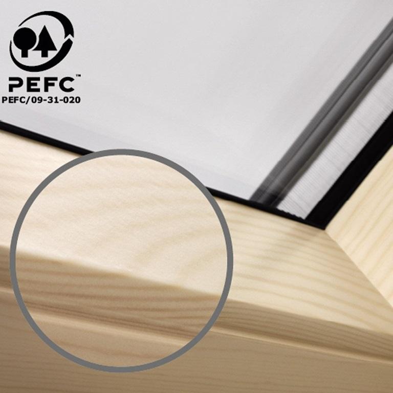 velux schwingfenster mit obenbedienung leicht bedienbar. Black Bedroom Furniture Sets. Home Design Ideas
