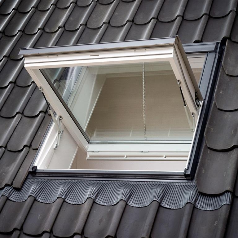 Rwa fenster rauch und w rmeabzugsfenster velux for Fenster treppenhaus