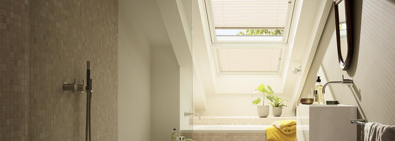 velux dachfenster jalousien jalousetten licht und. Black Bedroom Furniture Sets. Home Design Ideas