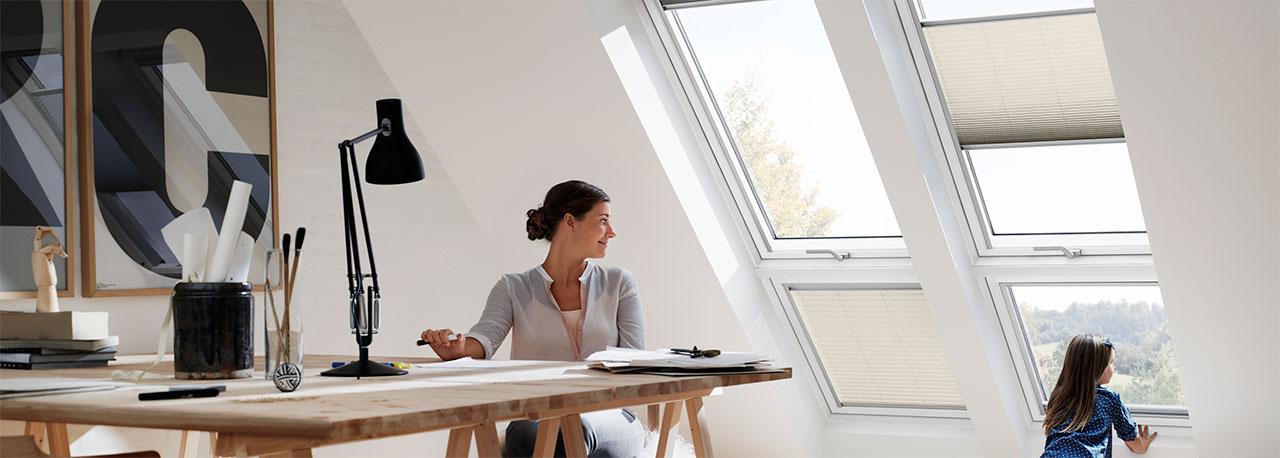 velux dachfenster plissee faltstore weiches tageslicht. Black Bedroom Furniture Sets. Home Design Ideas