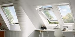 Velux dachfenster flachdachfenster tageslichtspots for Fenster bodentief
